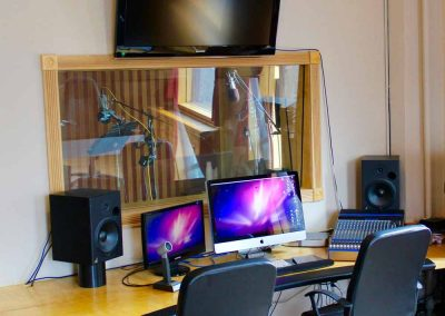 STUDIO B | FULLY EQUIPPED